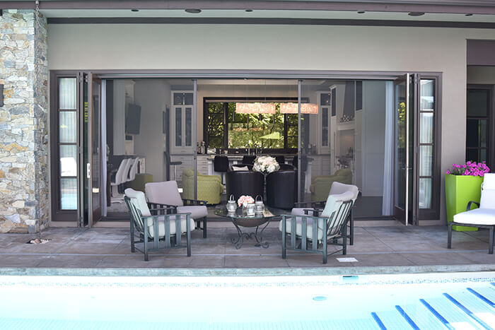 large retractable wall screen