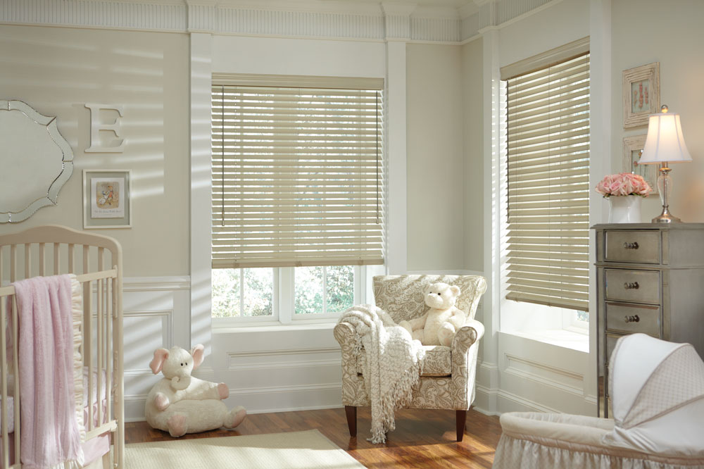 Hunter-Douglas-Parkland-Classics---Basswood---Color-Malted-Milk.jpg
